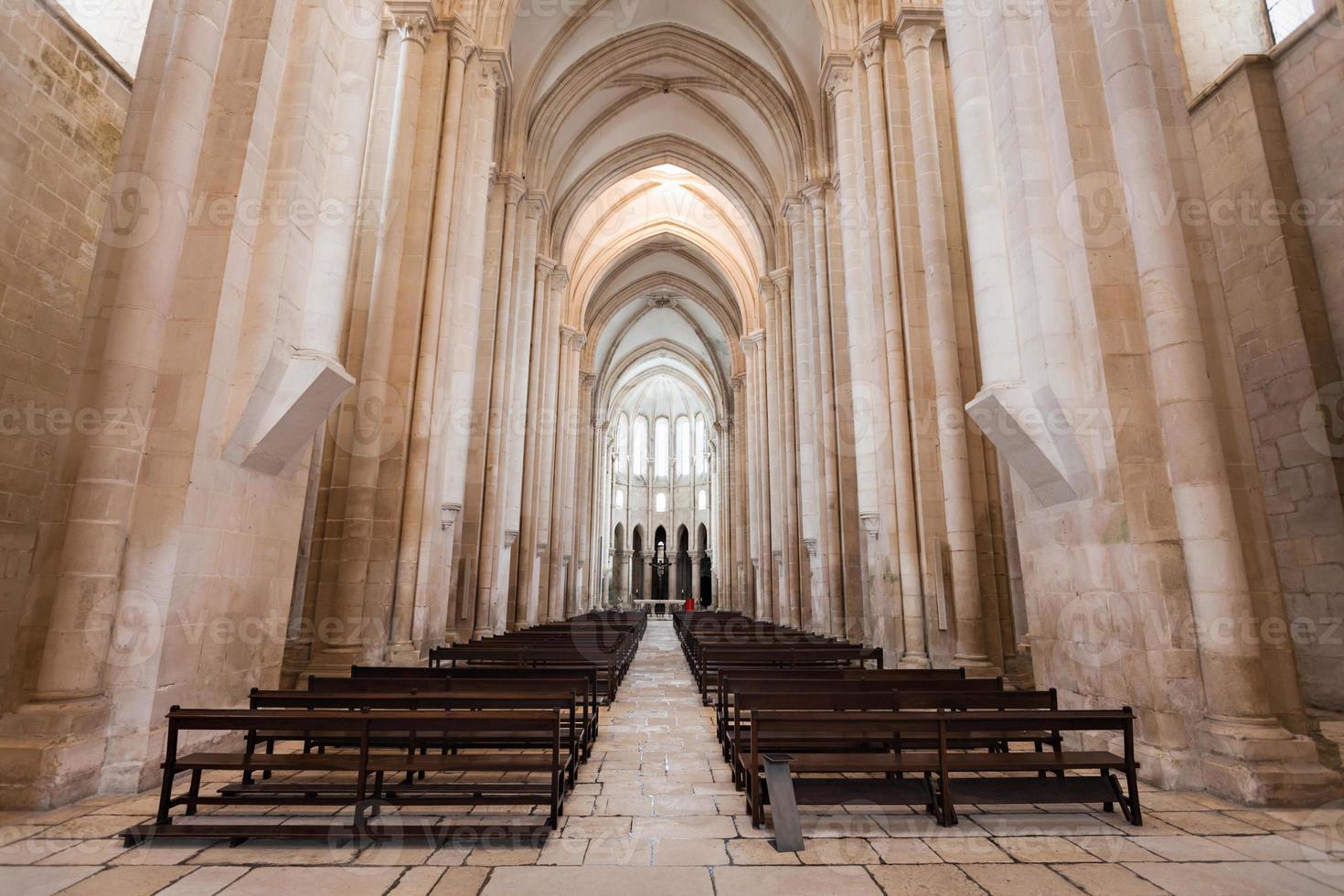 interior del monasterio de alcobaca foto