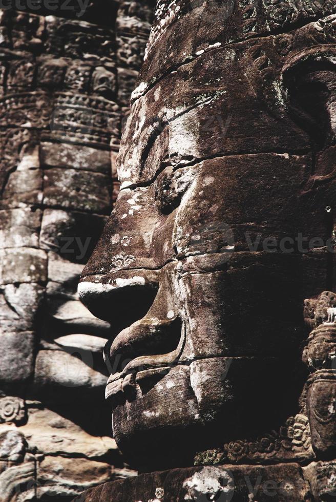 enorme cara en el templo bayon, angkor, camboya foto