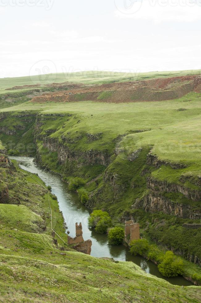 provincia turca de kars, cerca de la frontera con armenia foto