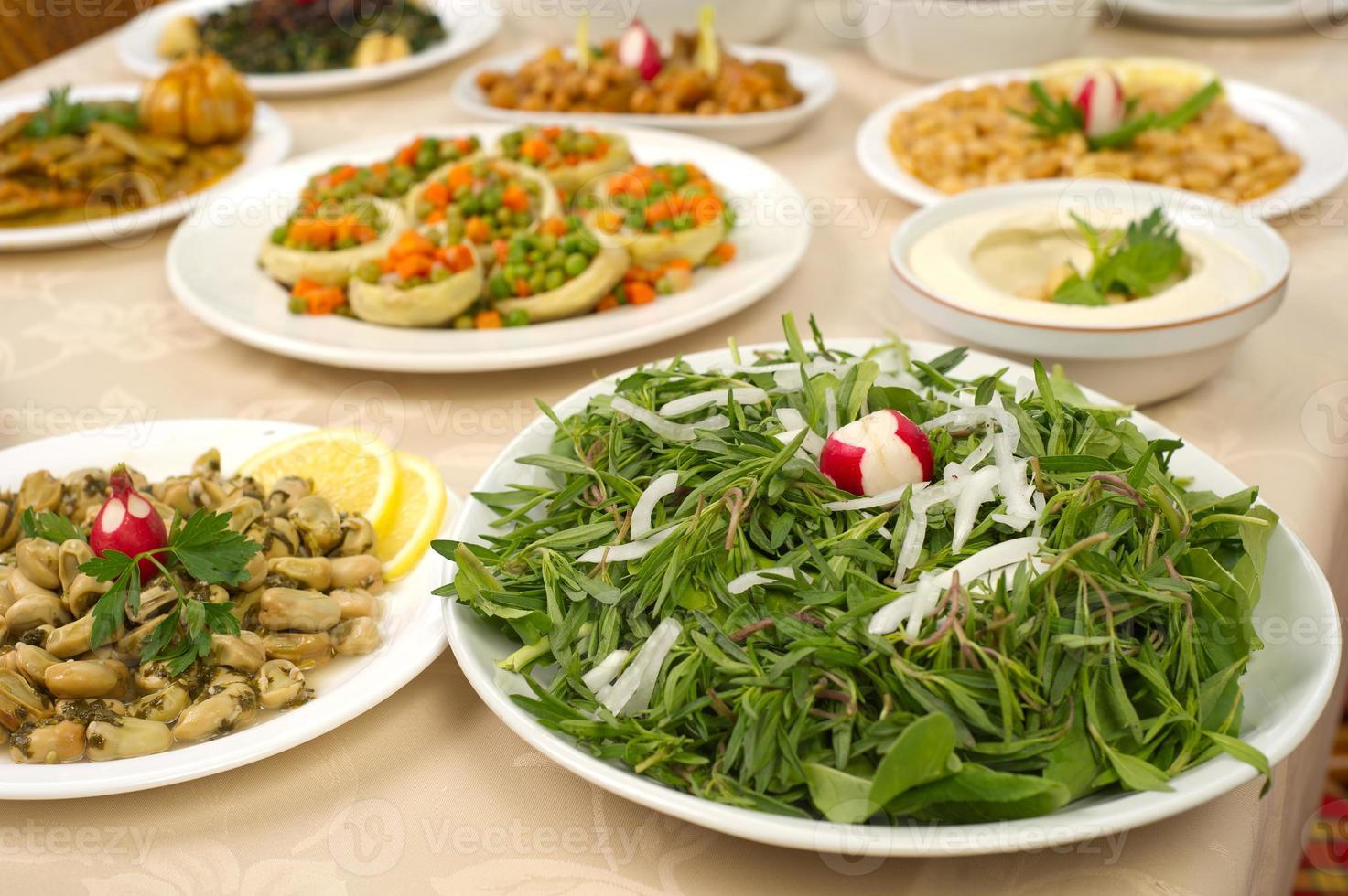 varios platos libaneses foto