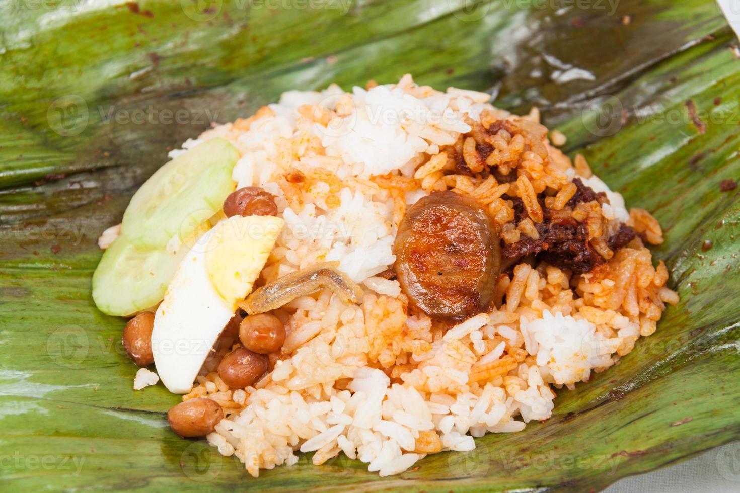cierre sin envolver de simple y original nasi lemak foto