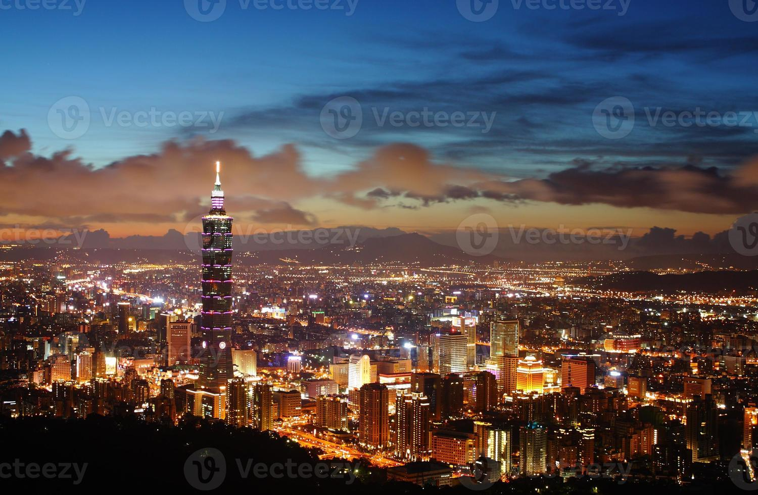 Taipei night scene photo