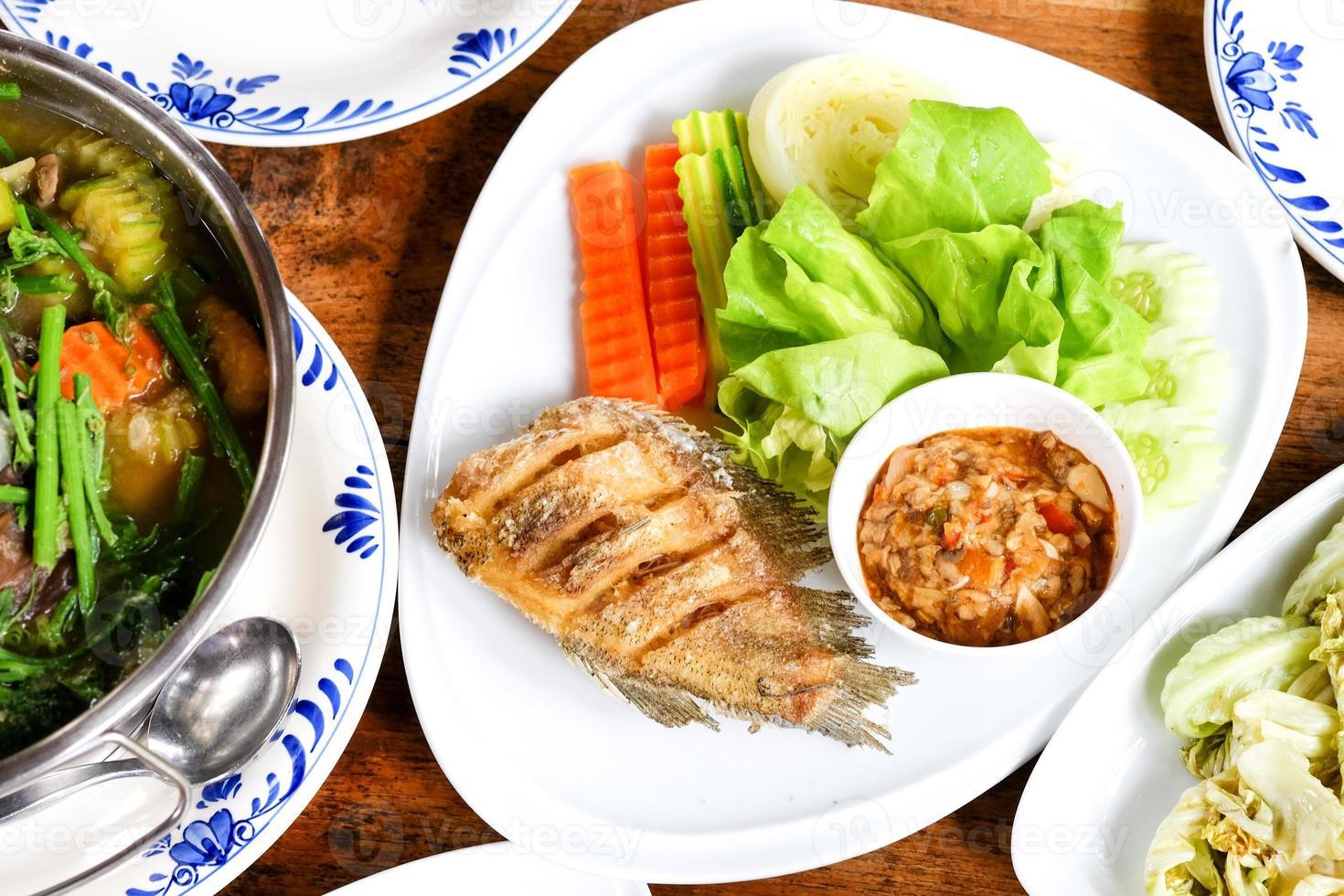 opciones saludables de comida tailandesa foto