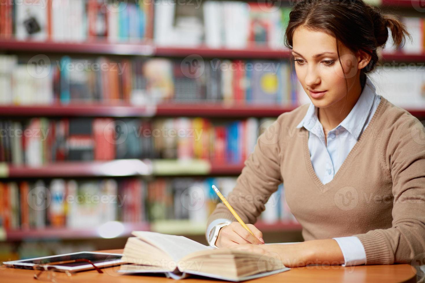 leyendo y escribiendo foto