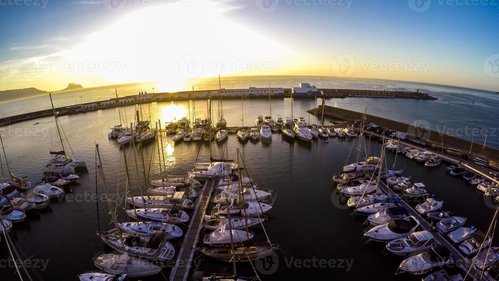 vista superior del yate marina en español costa blanca - altea foto