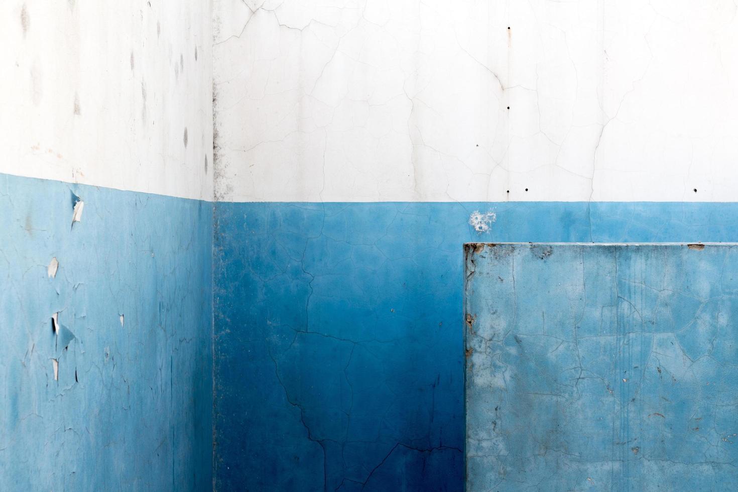 Blue concrete wall photo