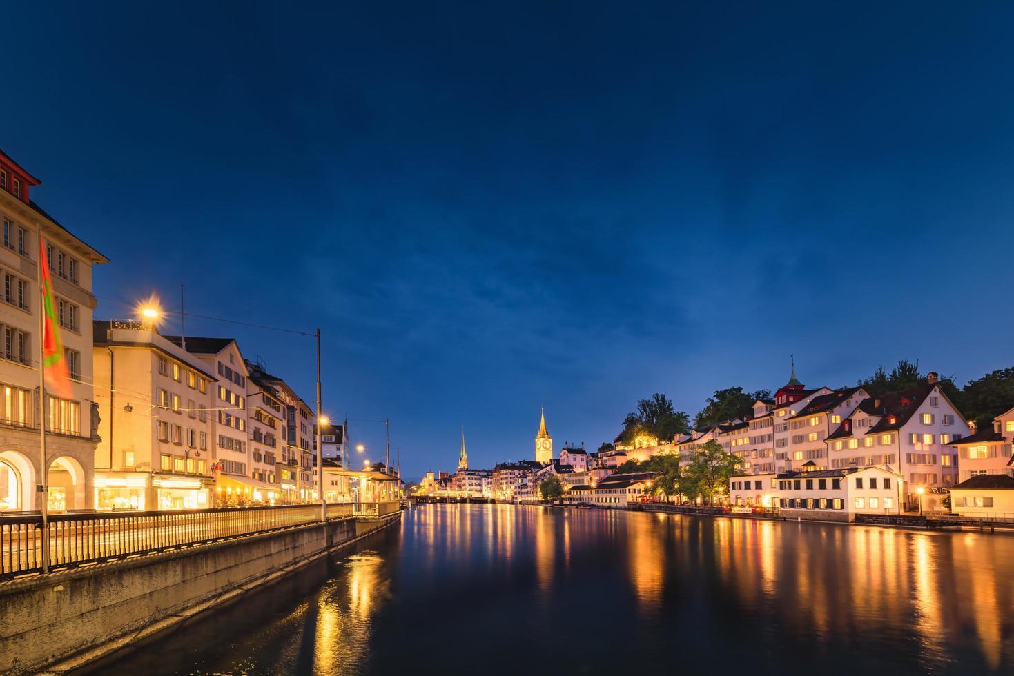 paisaje urbano de zurich, suiza foto