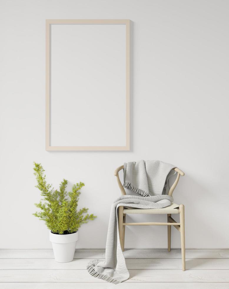 espacio mínimo con tablero de pared en blanco, silla y planta foto