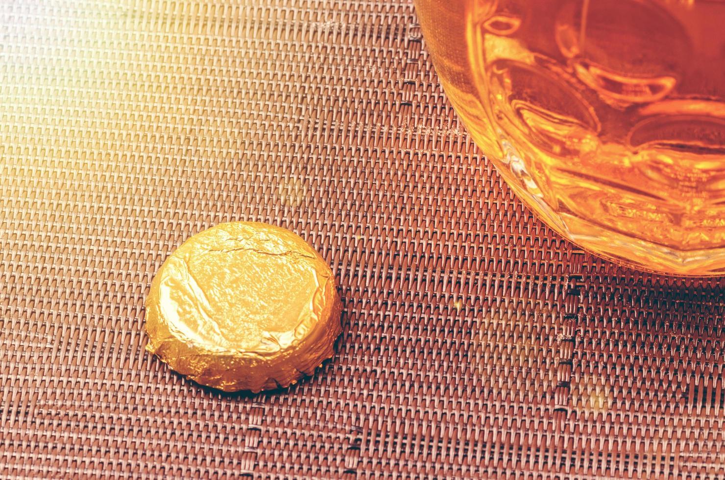 close-up hoek van een glas bier foto