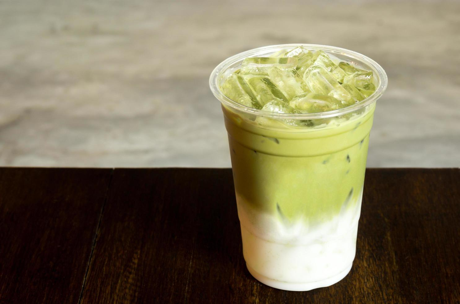 matcha latte glacé photo