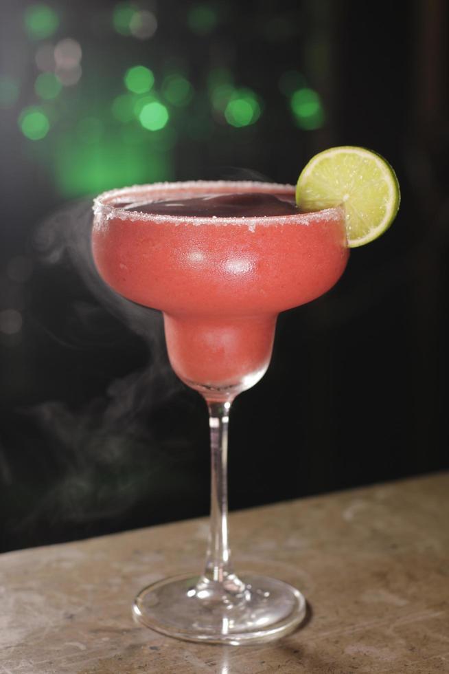Margarita with sliced lemon photo