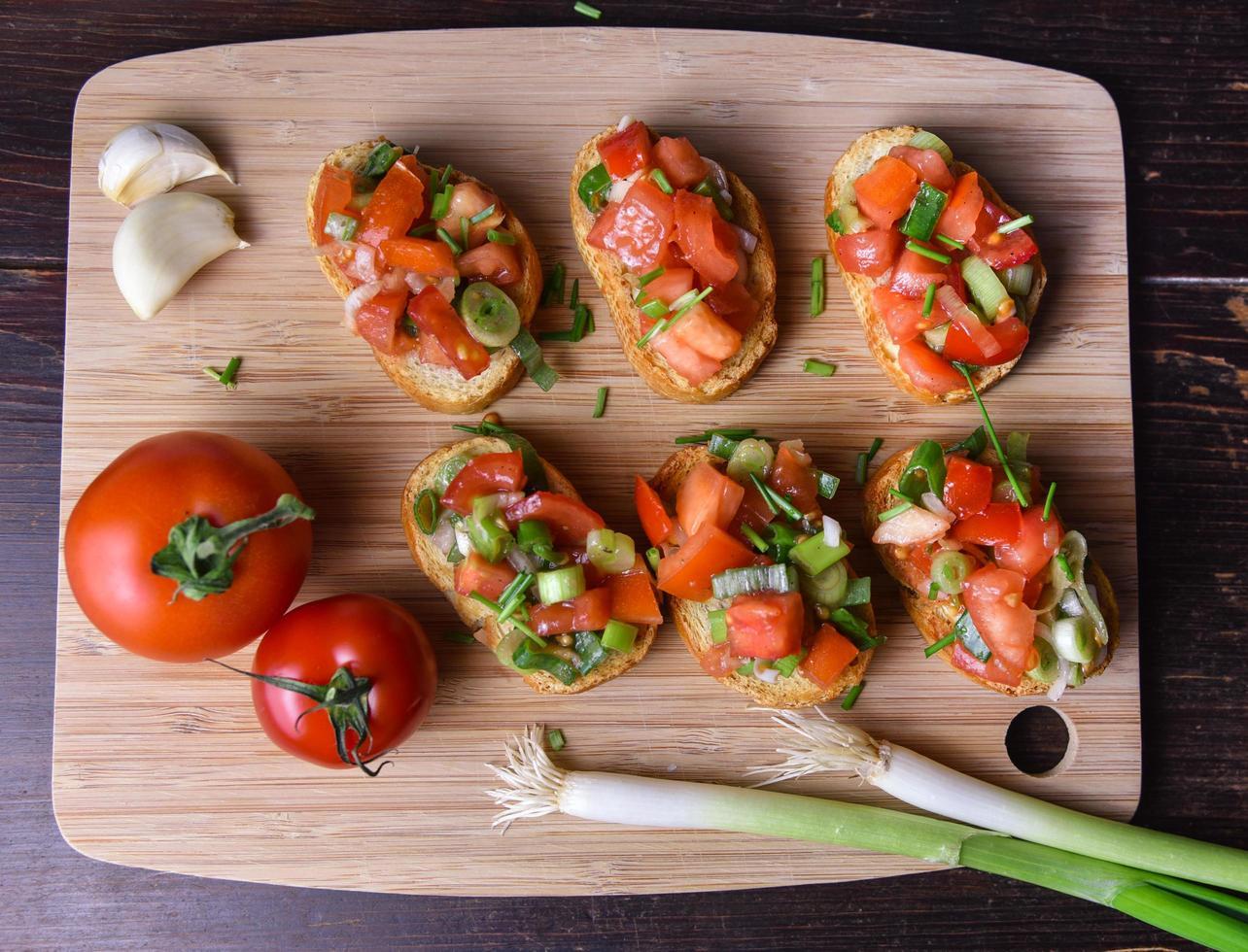 deliciosa bruschetta vegetariana italiana foto
