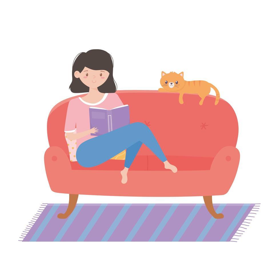 fille en quarantaine lisant un livre sur le canapé avec un chat vecteur