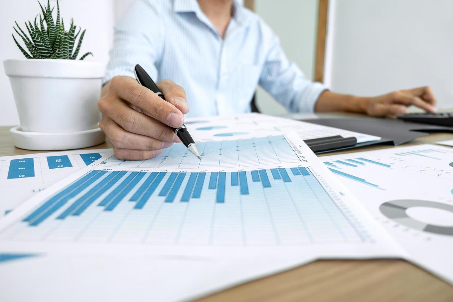 Business accountant calculating expenses  photo