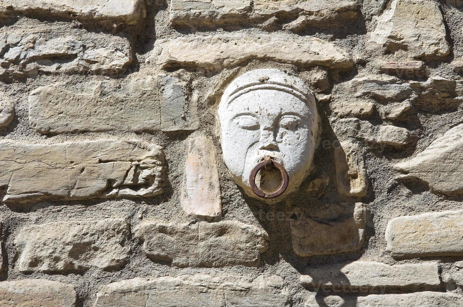 anillo de caballo viejo. guardia perticara. basilicata. Italia. foto