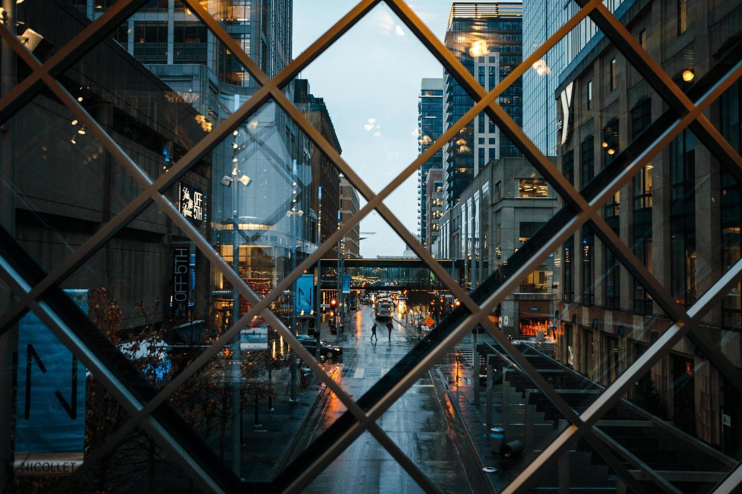 vista del paisaje urbano desde el puente foto