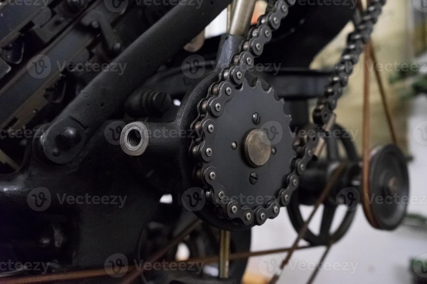 Máquina de accionamiento por cadena en la imprenta foto
