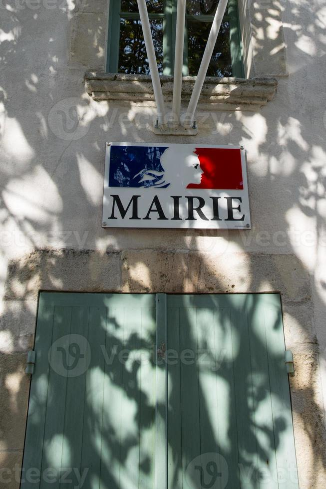 """Signo del ayuntamiento en idioma francés """"mairie"""" foto"""