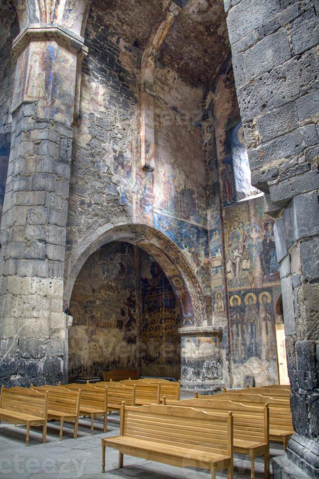 dentro del monasterio de akhtala foto