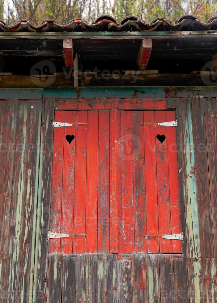 Rustic shutter-Irugurutzeta photo