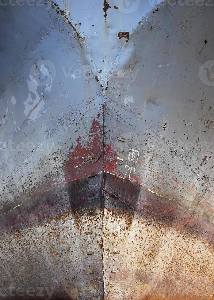 nariz oxidada del barco foto