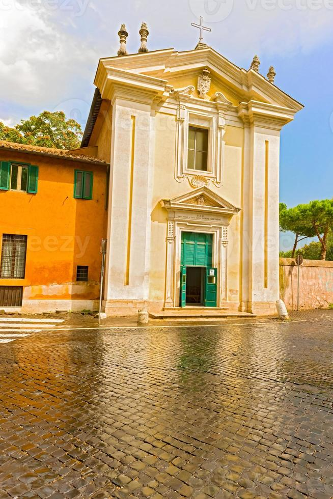 La iglesia de Santa María en Palmis en Roma, Italia foto
