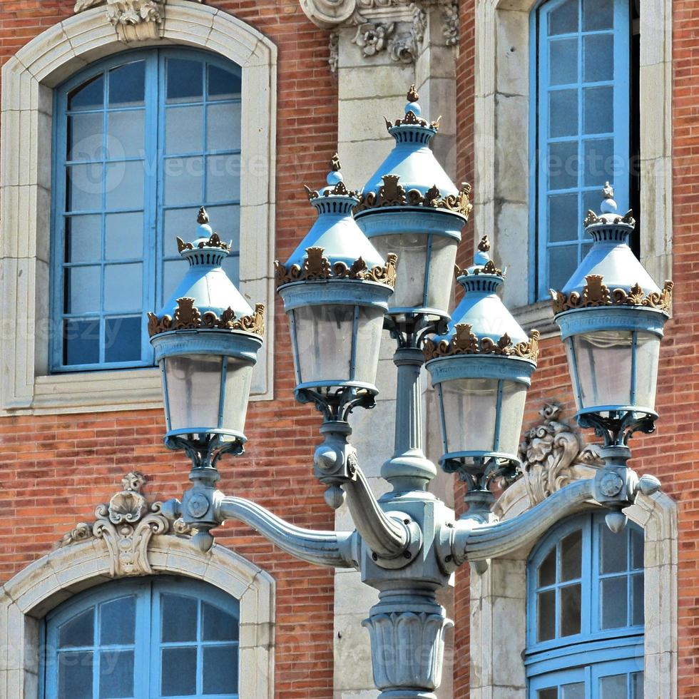 toulouse — lanterne; capitole, mairie, arquitectura foto