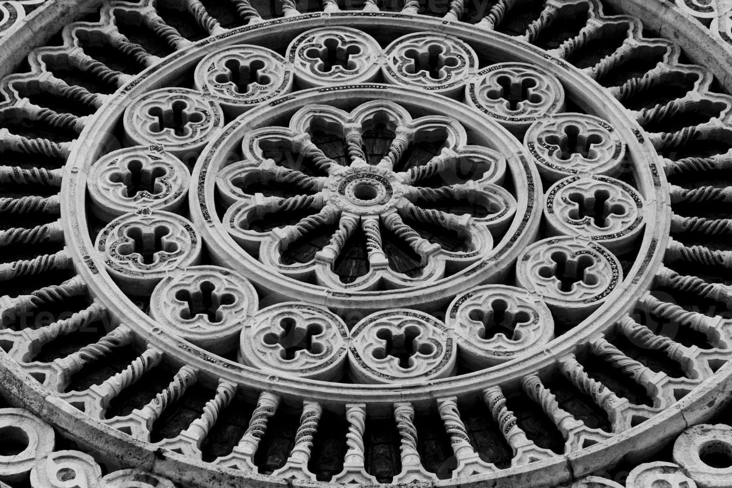 S t. Detalle de la iglesia de Chiara foto