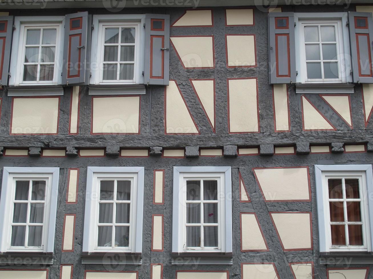 Antigua casa de entramado de madera en Alemania foto