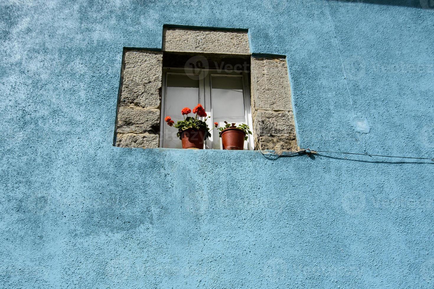 detalhe. fachada de uma casa de campo na Cantábria. Espanha. Europa. foto