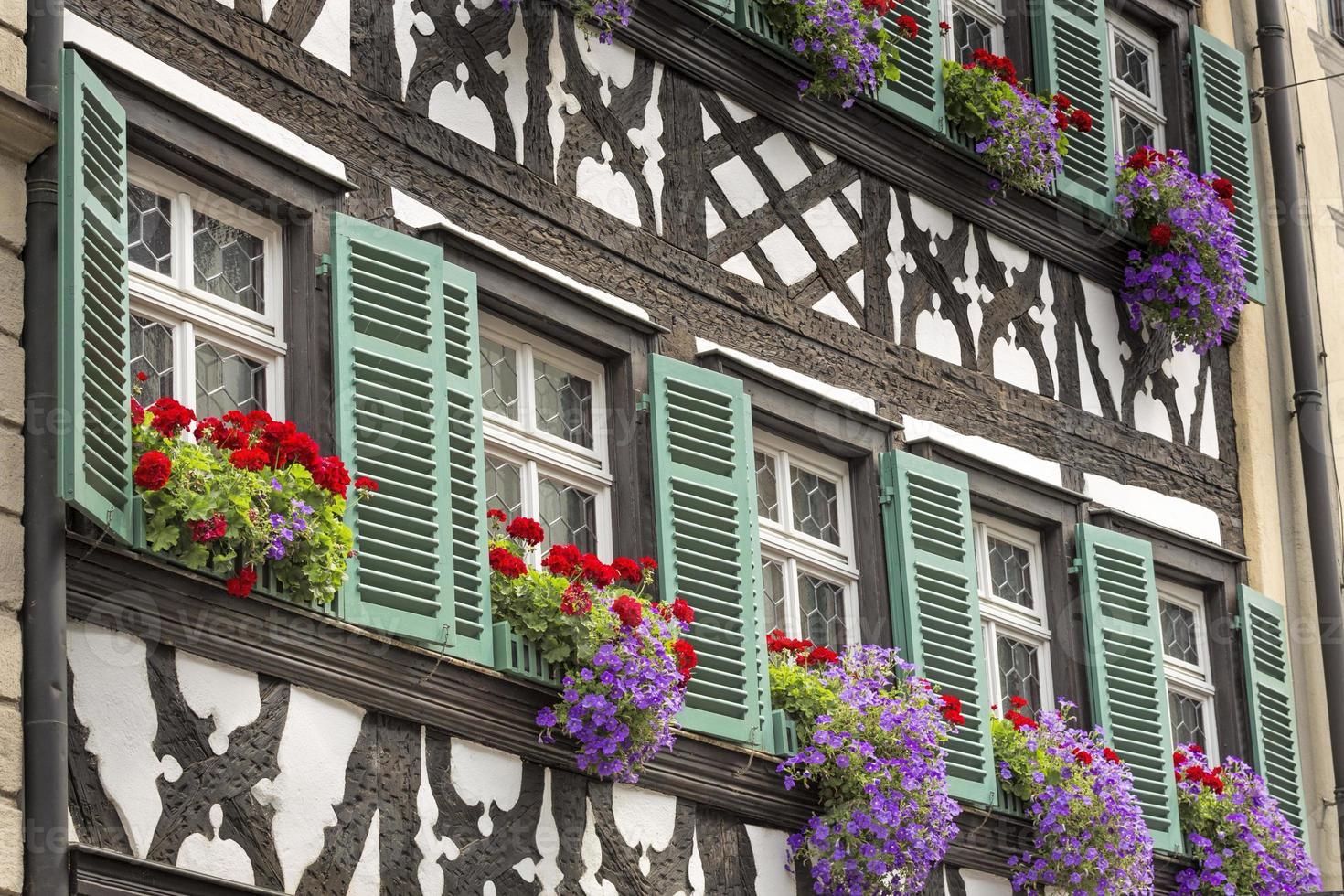 Casa con entramados de madera en la Alta Franconia, Alemania foto