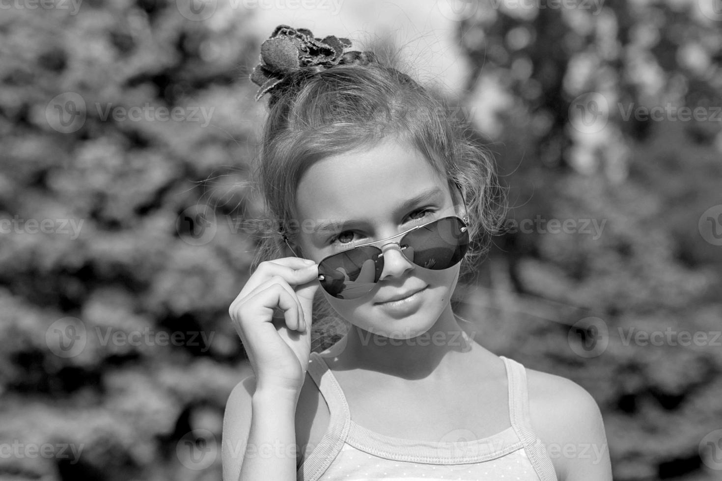 Portrait  beautiful little girl photo
