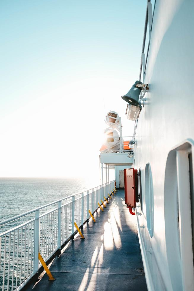 pasarela en el costado del barco foto