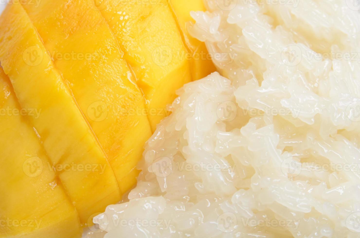 mango con arroz pegajoso foto