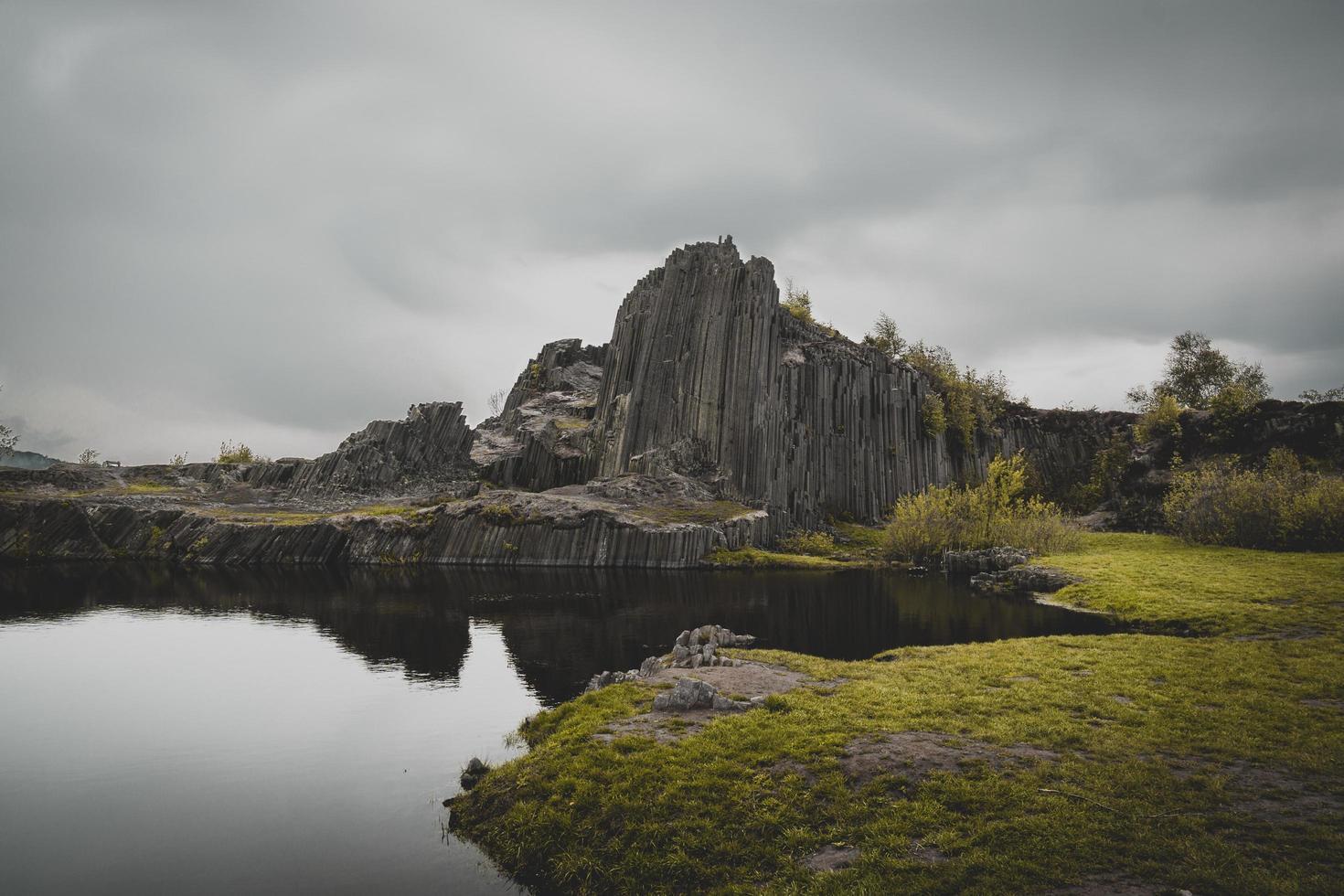 fotografía de paisaje de montaña foto