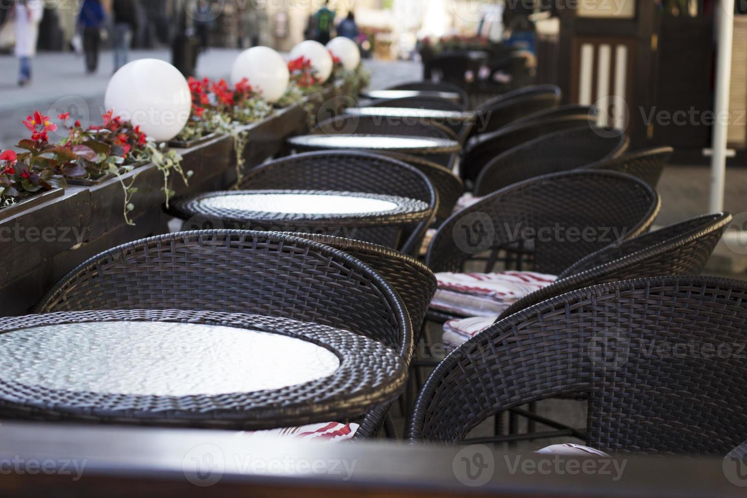 empty restaurant tables photo