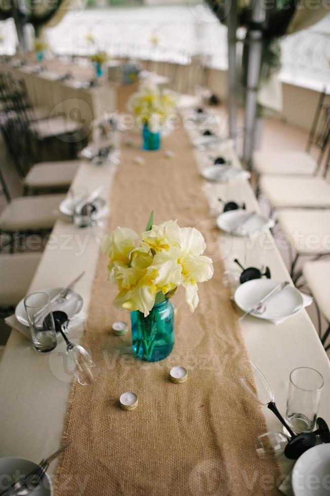 ajuste de la tabla de la boda del banquete foto