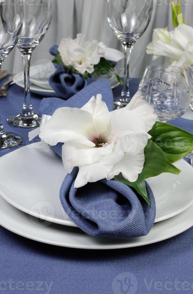 servilleta decorada con flor foto