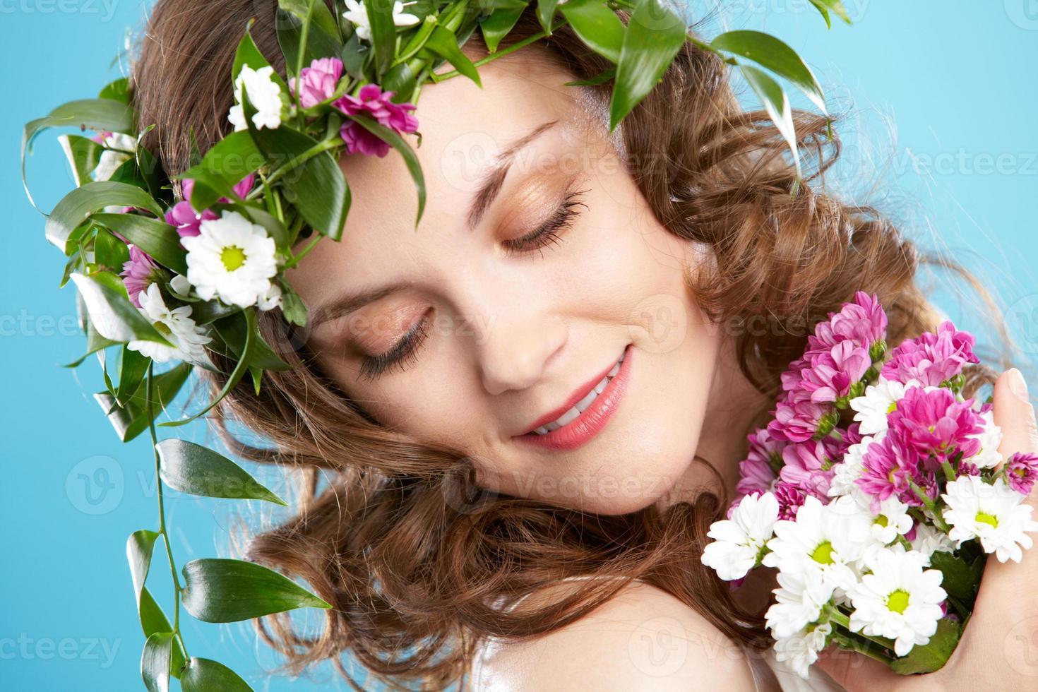 mujer flor foto