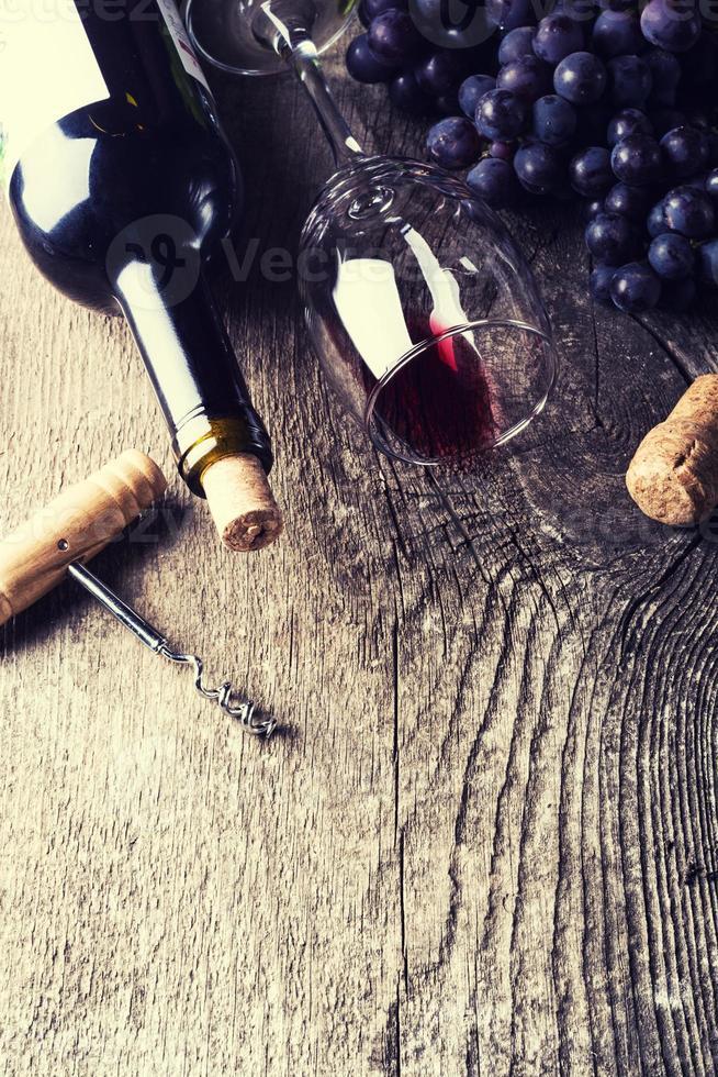 dark wine photo