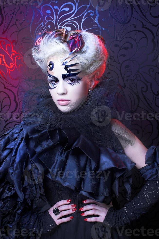 dama de negro. foto