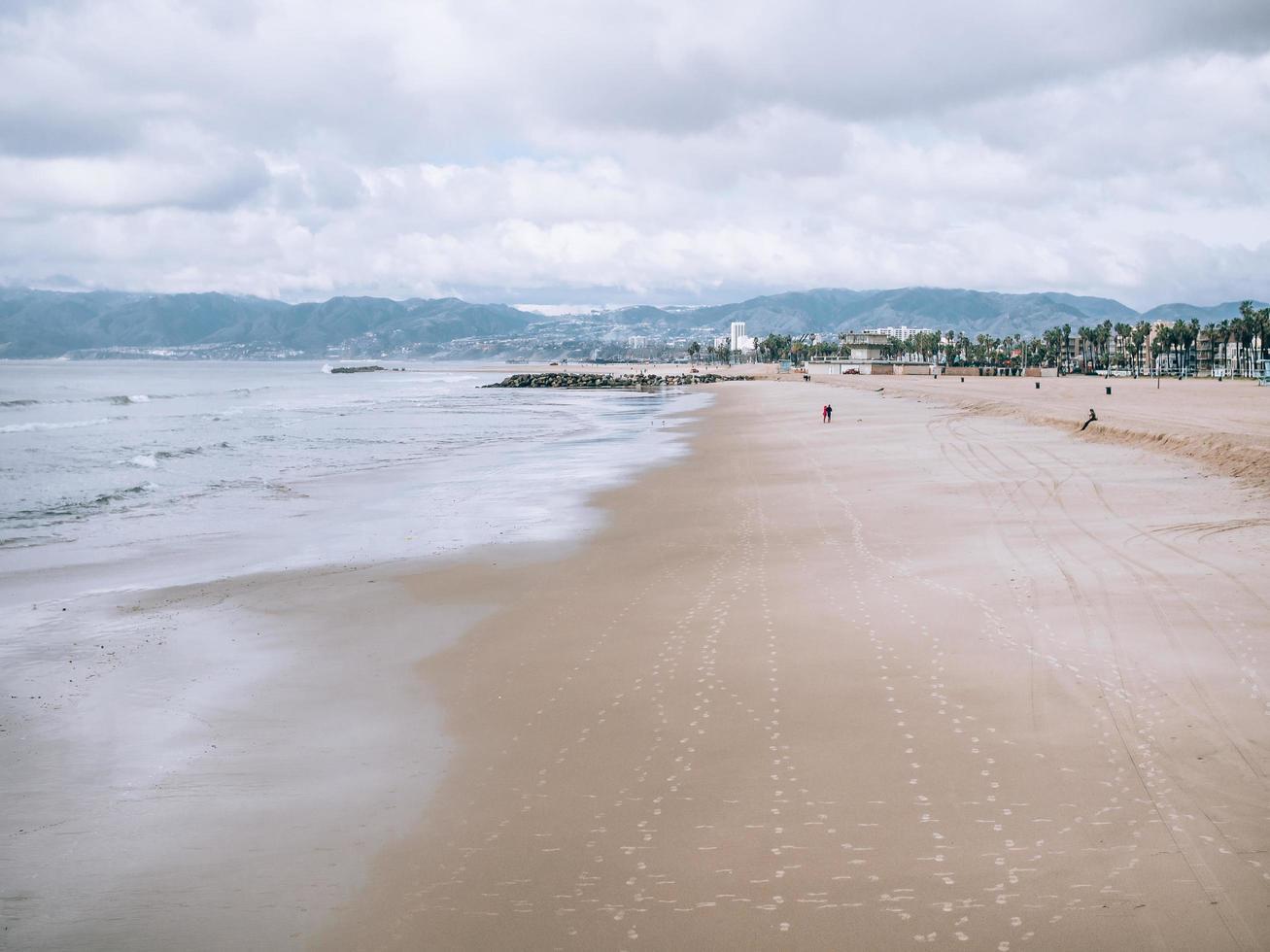 Waves crashing shore  photo