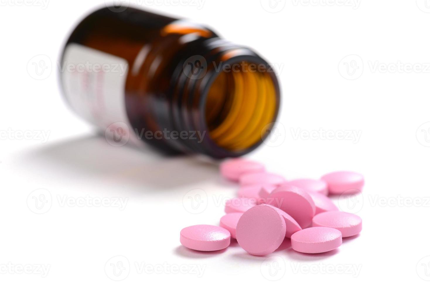 pastillas aisladas sobre fondo blanco foto