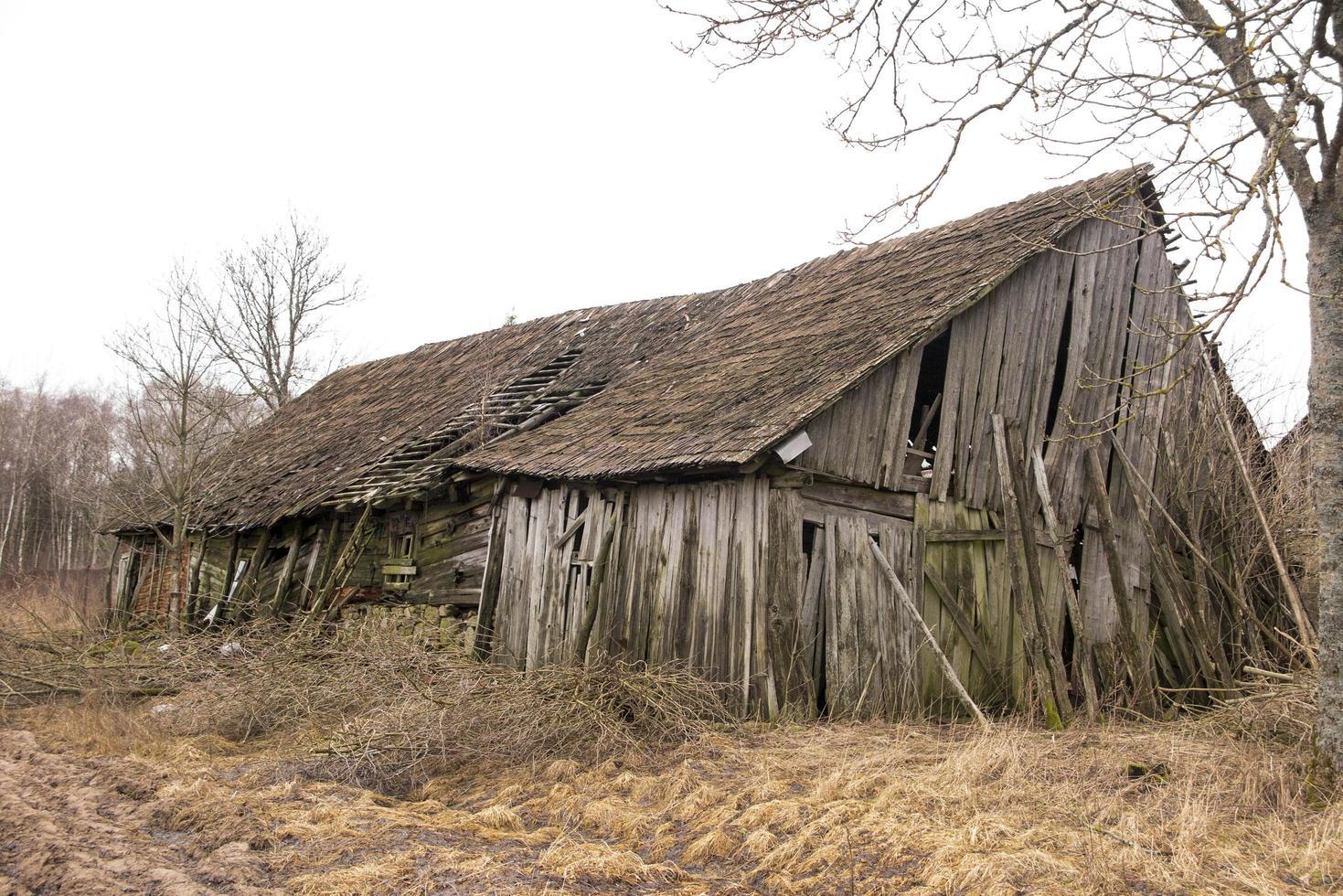 Abandoned old barn photo