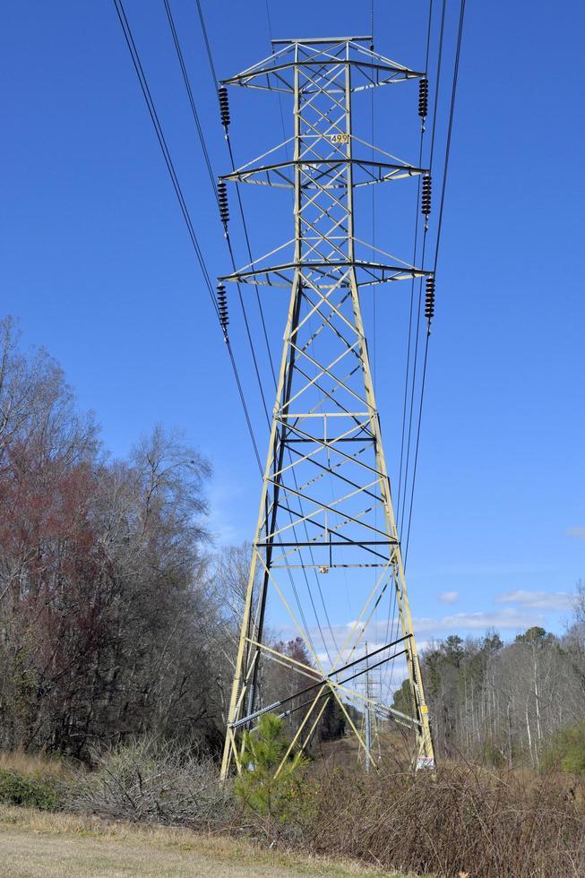 torre de transmisión de electricidad foto