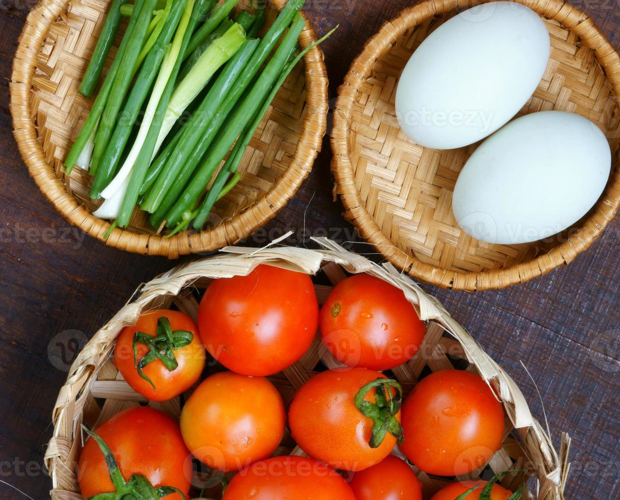 comida vietnamita, huevo salteado de tomate foto