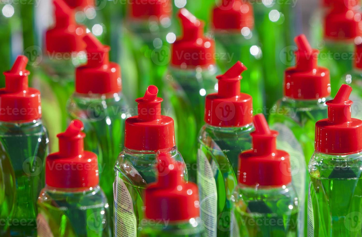 Many Bottels Green Abstergent photo