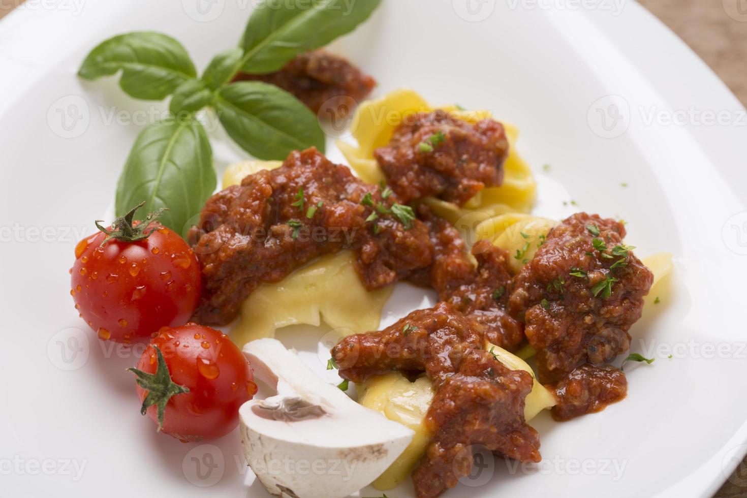 tortellini with sauce photo