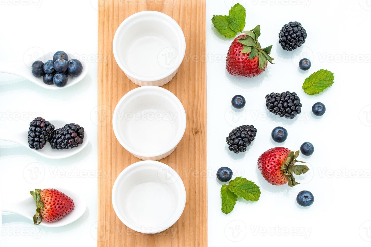 deliciosa fruta, baya, merienda, saludable, dieta foto