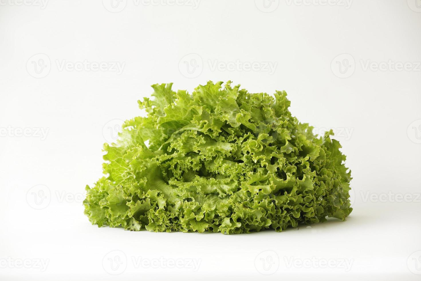 verduras verdes, rojas y naranjas como alimento saludable foto